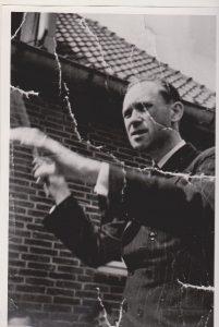 dhr-thijssen-1e-dirigent-van-jd-1949